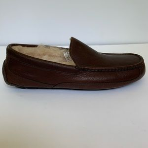 Brand New UGG Men's Slippers size 10  5379 Brown